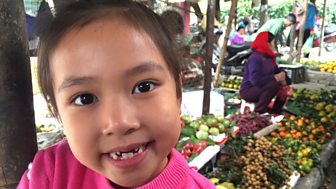 Where In The World? - Series 1: 15. Truc, Liza And Rhys: Truc Helps Grandma At The Market