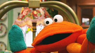 The Furchester Hotel - Series 2: 49. Claudia The Crab