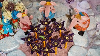 Clangers - Series 2: 16. The Moo Flower
