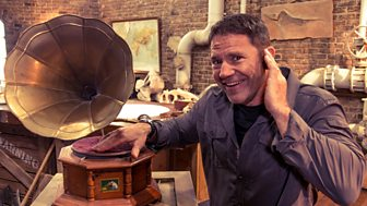 Deadly Dinosaurs With Steve Backshall - Series 1: 7. Super Senses