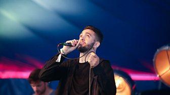 Watch Jordan Max perform at Glastonbury 2016