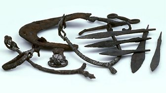 This photo of stirrups, weapon points and a horseshoe shows evidence that the Vikings of Jorvik went horse riding and hunting.
