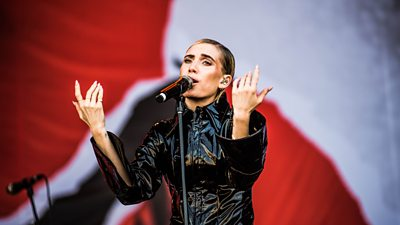 The most essential performances from Friday at the Biggest Weekend