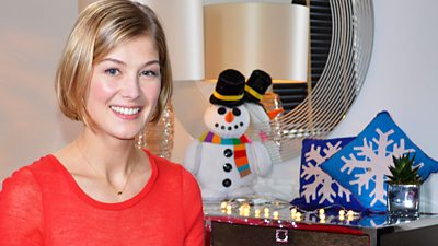 Rosamund Pike - Merry Christmas Blue Kangaroo