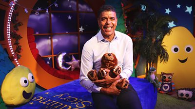 Chris Kamara - The Bear Who Stared