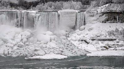 Ice around Niagara Falls