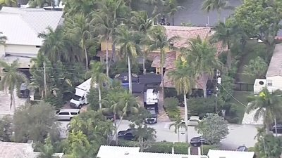 Police at Roger Stone's home in Fort Lauderdale