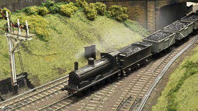 Half-a-dozen model rail enthusiasts took five years to recreate Alloa Station and its surroundings in miniature.