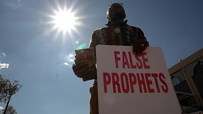 Solomon with false prophets sign