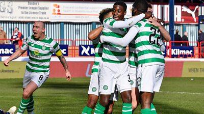 Celtic players celebrate Odsonne Edouard's goal