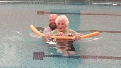 A 103-year-old woman has resumed swimming after a 25-year break.