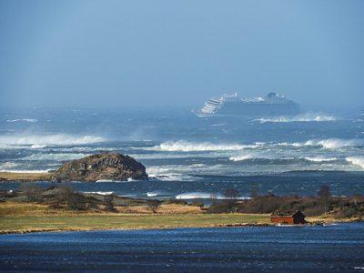 MV viking sky in distress