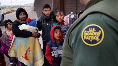 Migrants arriving at US border in El Paso.