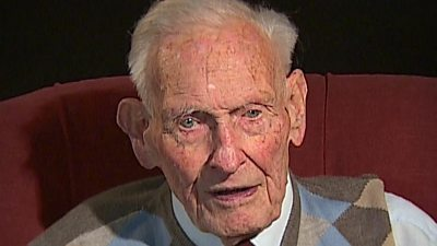 Richard Heather drove his tank on to the beaches of Normandy despite a serious hand injury.