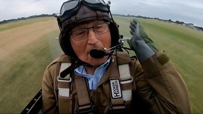 French Resistance hero flies in Spitfire