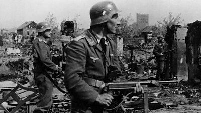 German troops fighting in Stalingrad, Oct 1942