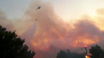 Wildfire heads for Samos beach