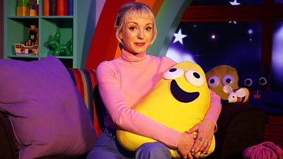 Helen George - I Am the Boss of This Chair