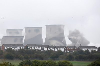 Cooling towers at the Ferrybridge power Station