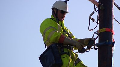 Lineman marks more than 50 years in the job