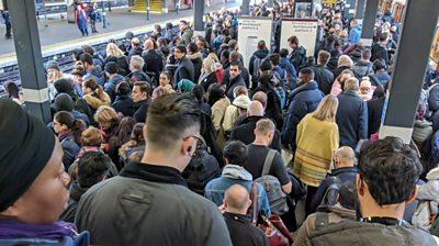 Metropolitan Line commuters