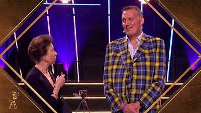 Princess Anne presents Doddie Weir with the Helen Rollason Award