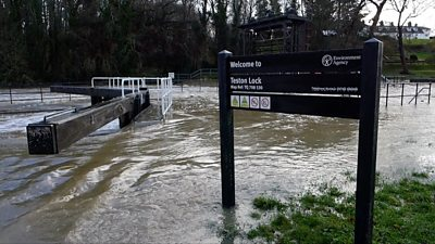 Flooding in Teston