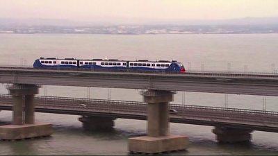 Train on Kerch Strait Bridge