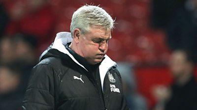Steve Bruce looks dejected