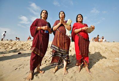 Women praying in Chennai