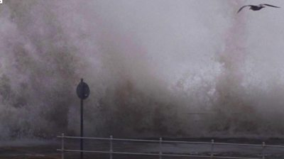 Giant wave strikes Aberystwyth seafront