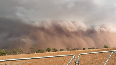 Wall of dust in Nyngan