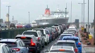 ferry struggles to berth