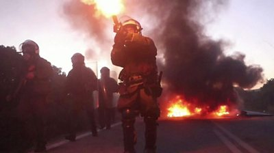 Police clash with Greek island residents