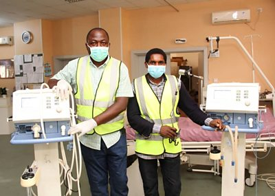 Coronavirus in Nigeria: The engineers fixing ventilators for free