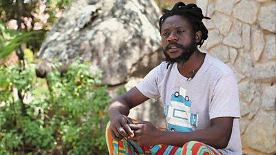 Zimbabwean sculptor Gideon Gomo