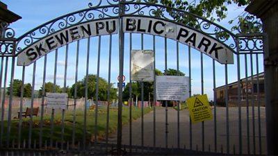 Skewen Public Park gates