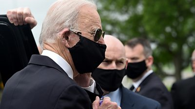 Joe Biden in mask
