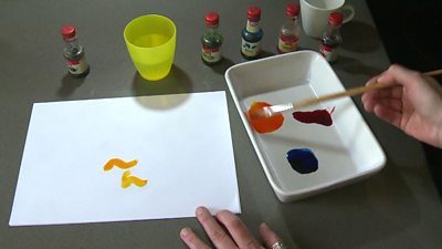 Kate Russell tries her hand at being creative with food colouring