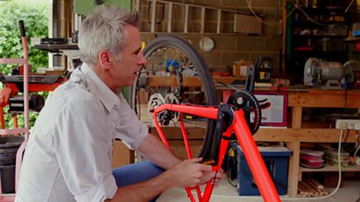 Spencer Kelly upgrading his bicycle to an e-bike