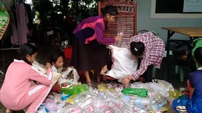 Without tourists due to the pandemic, a tour guide teaches English in exchange for plastic rubbish.