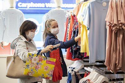 Shoppers in Belfast in masks