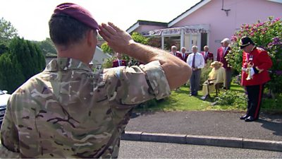 Regimental salute at Duncan's home