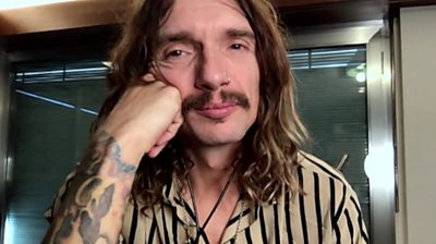 Justin Hawkins from band The Darkness