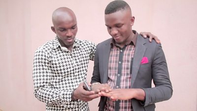 Sculptor in Nigeria creates black prosthetic hand for his brother thumbnail