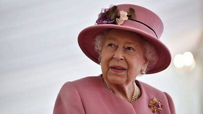 Her Majesty visits Porton Down