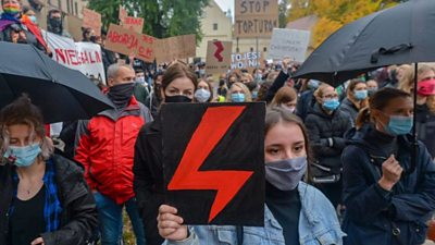 Pro-choice protesters have marched through the streets of Warsaw for the seventh day.