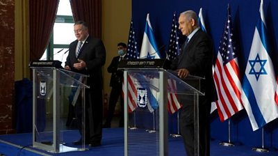 US Secretary of State Mike Pompeo (L) speaks at a news conference with Israeli PM Benjamin Netanyahu