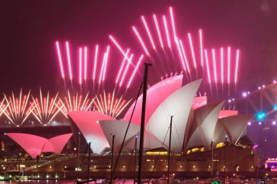Fireworks in New Zealand and Australia for 2021 - BBC News