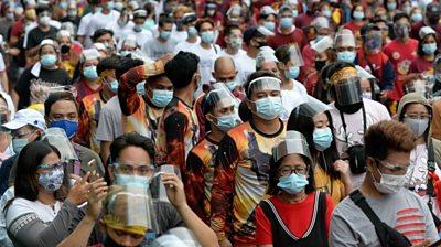 Worshippers in Manila